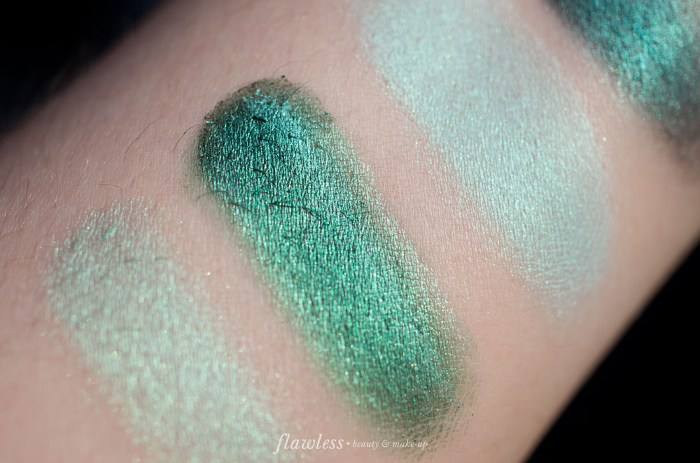 NYX Prismatic Eyeshadow Mermaid
